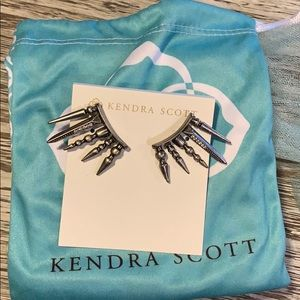 Kendra Scott Sawyer Ear climbers